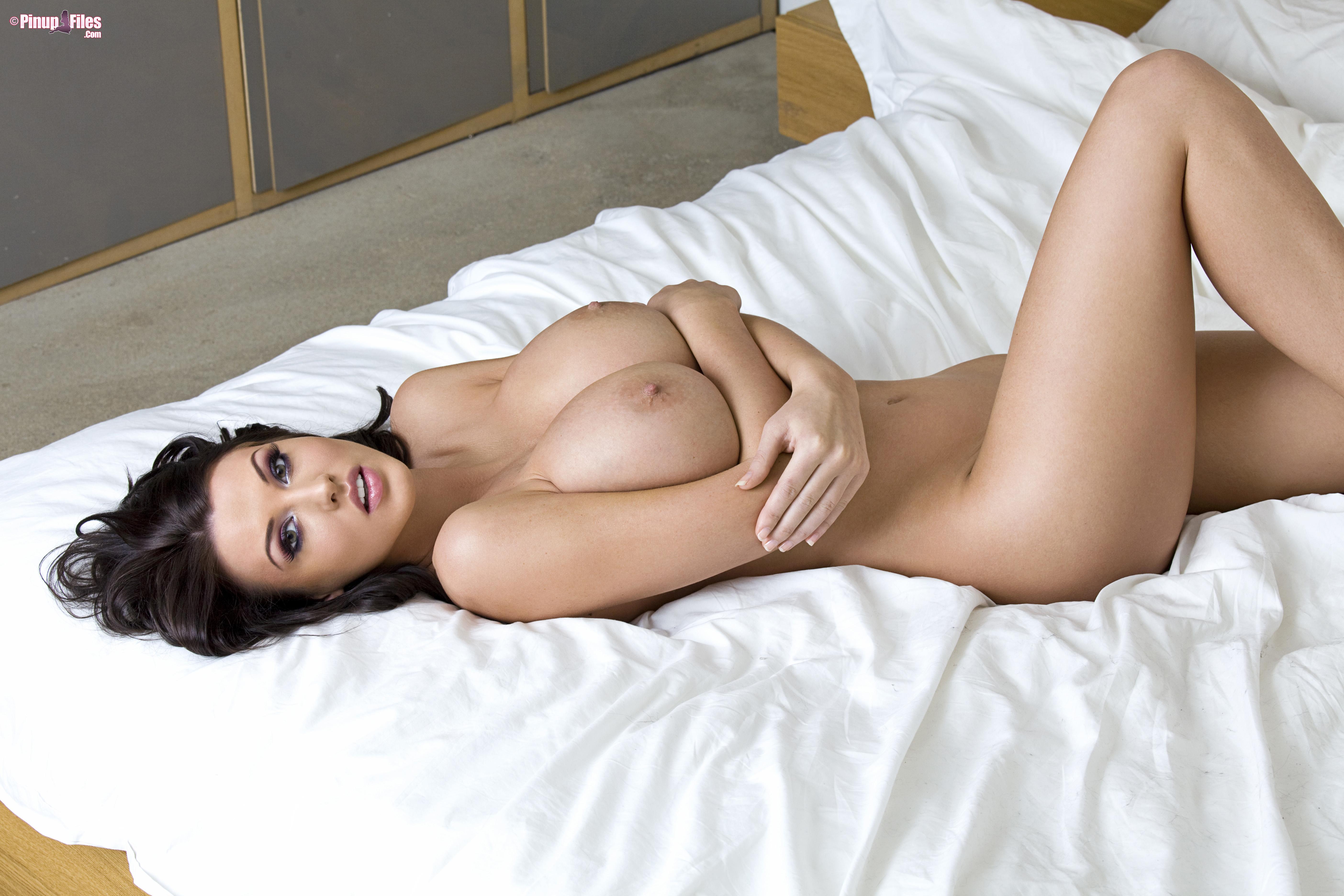 Эротического фото девушек с большой грудью 18 фотография