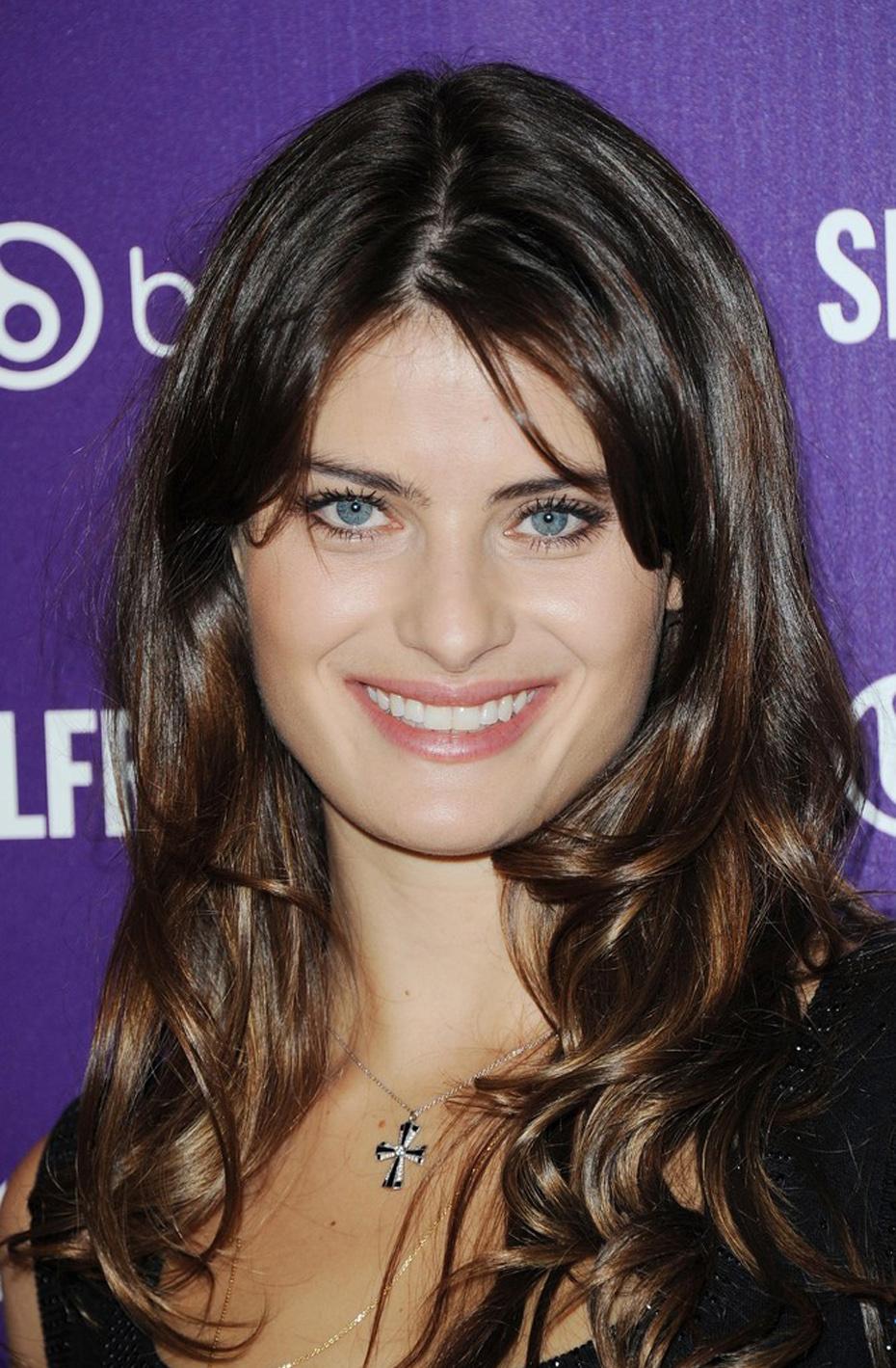 Isabelli Fontana Beautyline 0