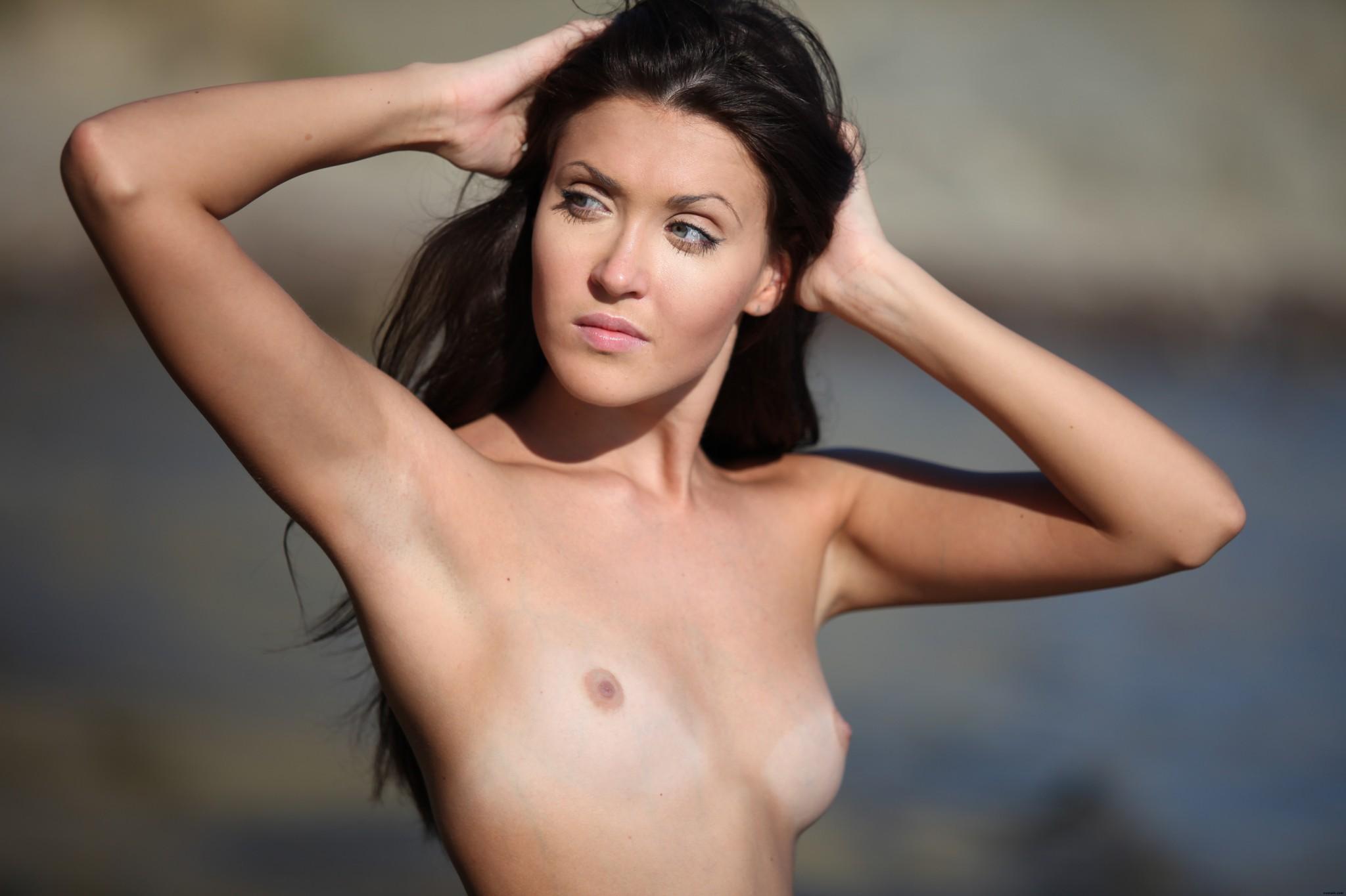 С очень очень маленькой грудью, Порно маленькие сиськи. Маленькая грудь видео онлайн 9 фотография