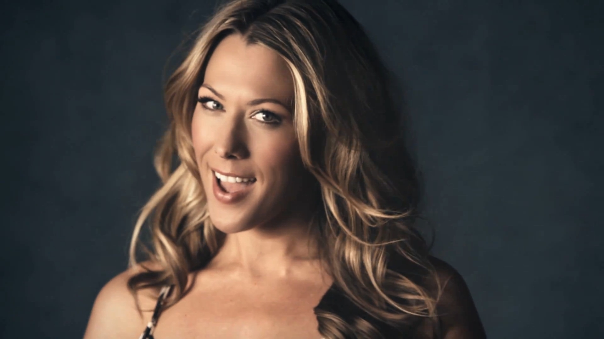 analysis of colbie caillats the ellen show It's high time we were reminded again of what a great physical comedian kevin kline is playing an aging matinee idol in the bouncy new revival of noël coward's present laughter, mr.