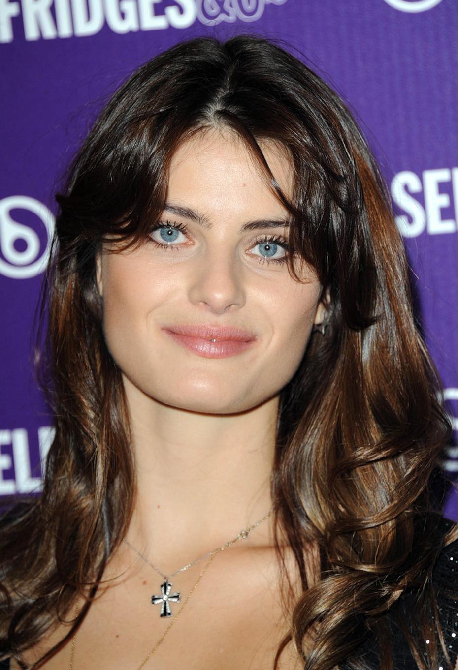 Isabelli Fontana Beautyline 9