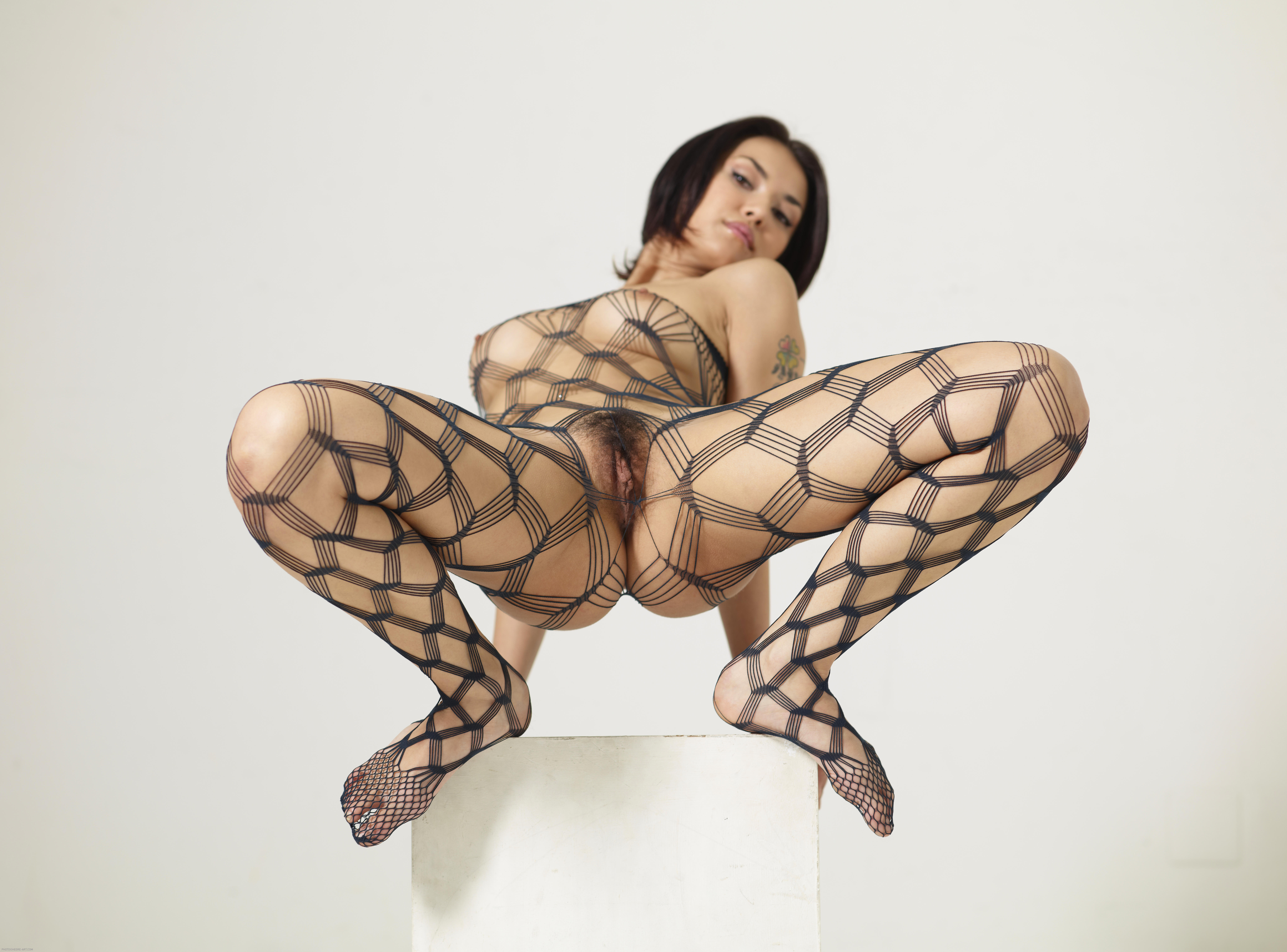naked girl does acrobatics