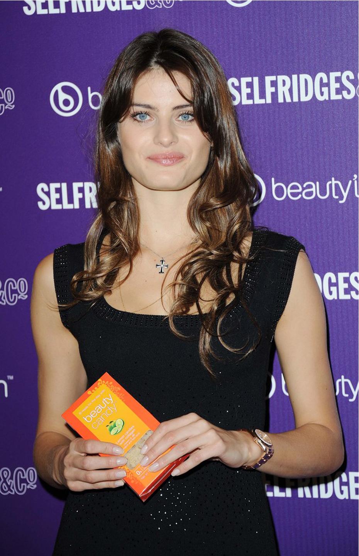 Isabelli Fontana Beautyline 8