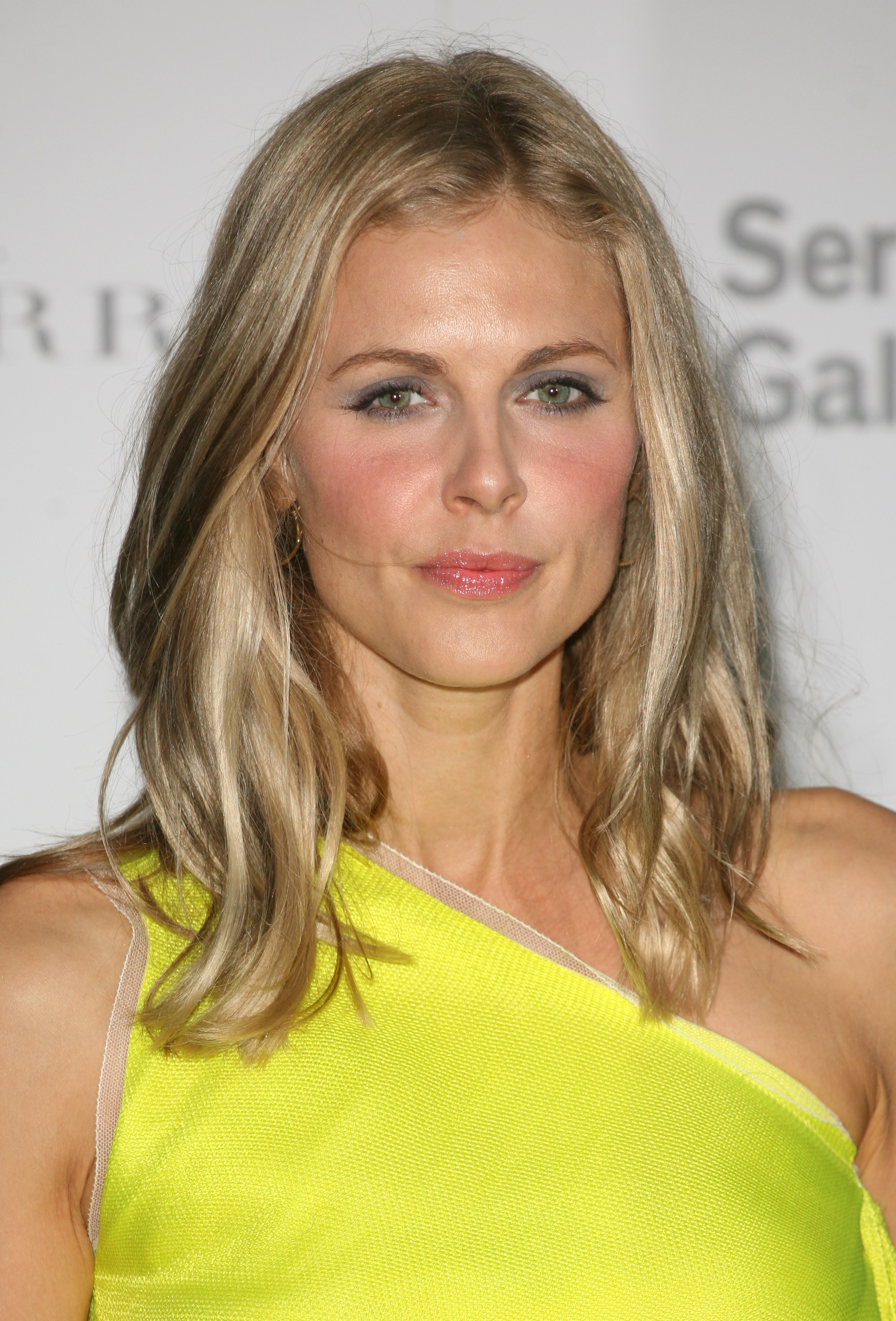 Donna Air - Beautiful HD Wallpapers
