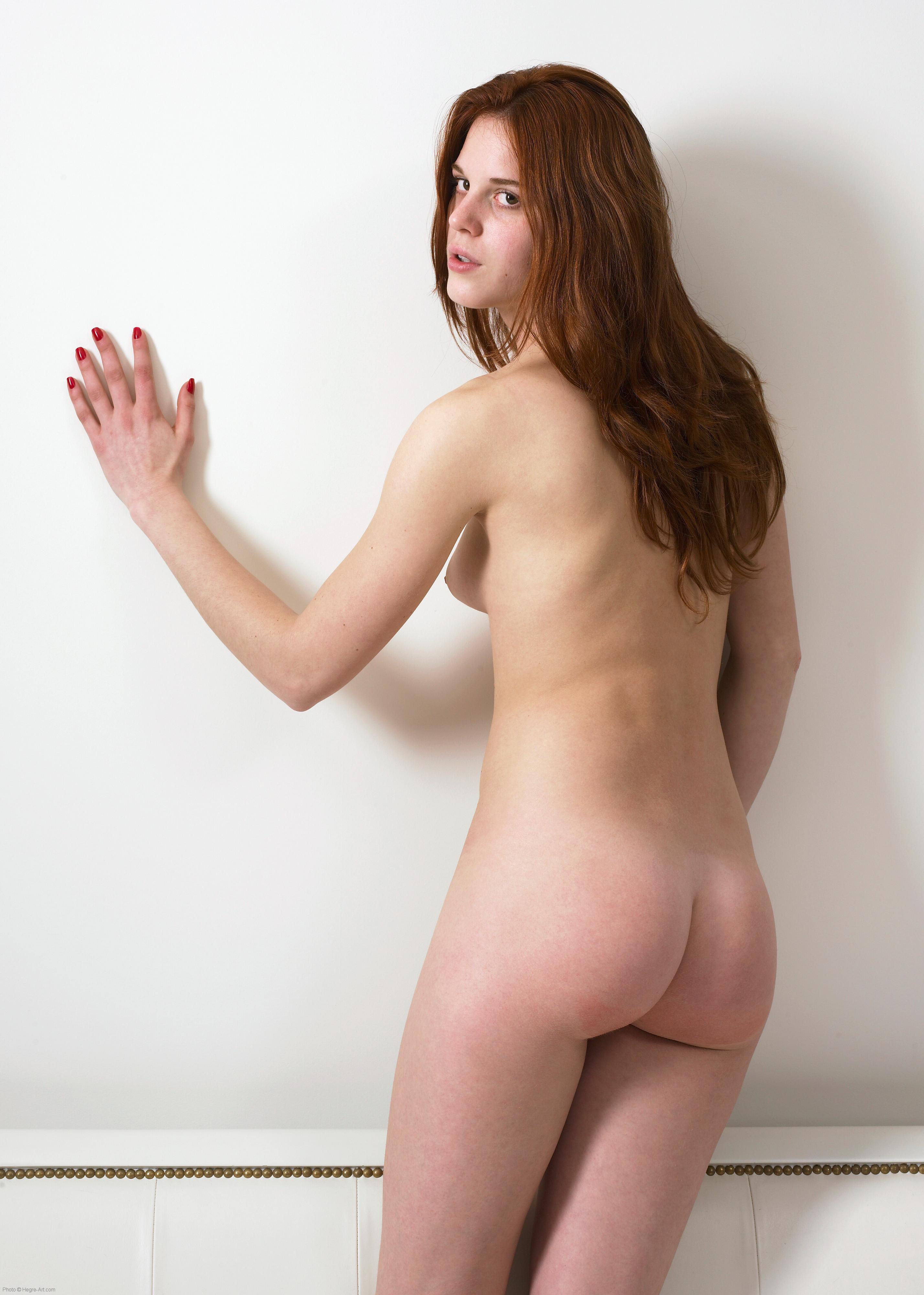 Yola Shy Nudes